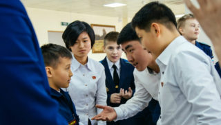 Школьники из КНДР во Владивостоке