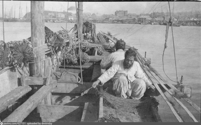 Владивосток. Корейские рыбаки